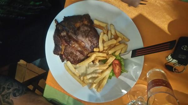image assiette entrecôte frite